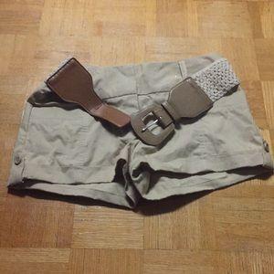 Guess Kaki shorts with belt